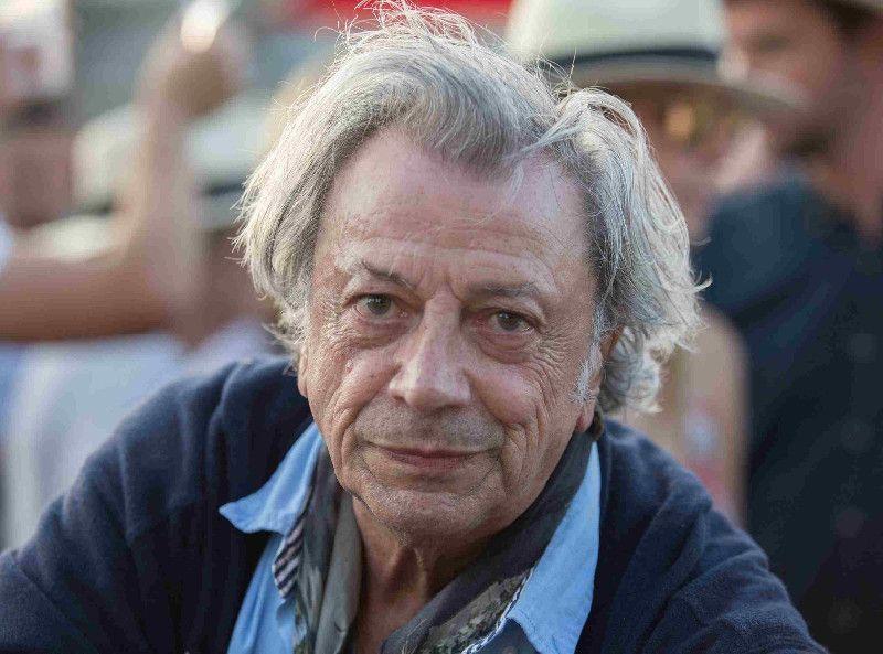 Hervé Vilard dévoile ses confidences intimes sur Daniel Cordier